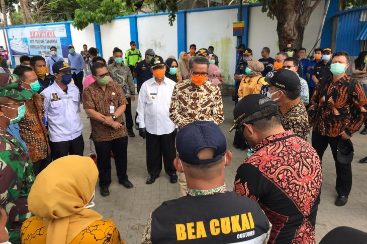 South Sulawesi to quarantine visitors for 14 days