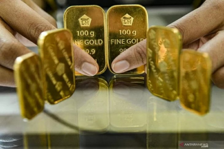 Harga emas Antam terus alami penurunan menjadi Rp938.000