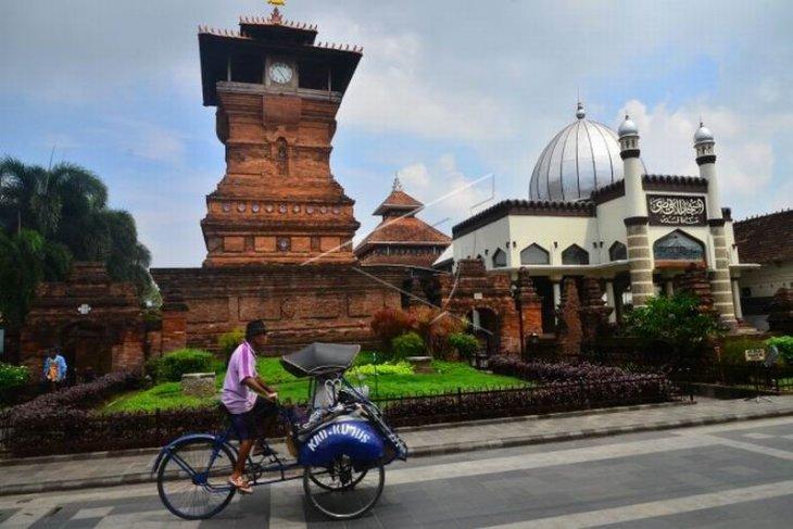 Wisata religi sepi pengunjung