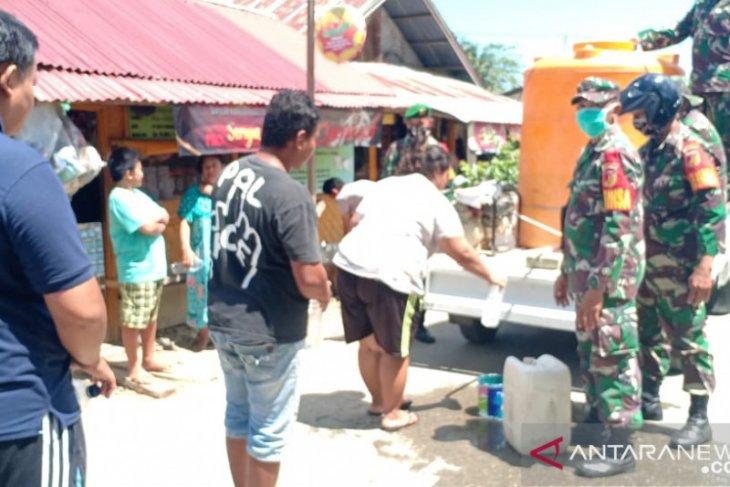 Kodim Gorontalo Utara salurkan 2.200 liter cairan disinfektan cegah COVID-19