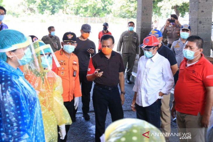 Sekda Bali tinjau penanganan pendatang di Pelabuhan Gilimanuk cegah COVID-19