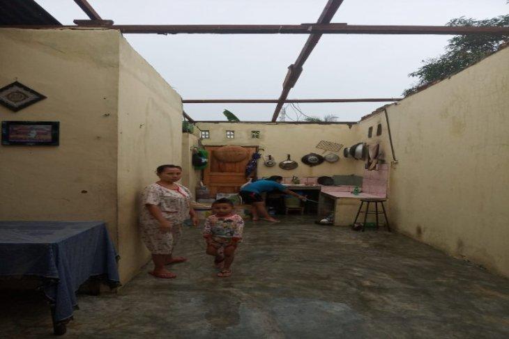 Binjai Utara dilanda hujan deras dan angin kencang