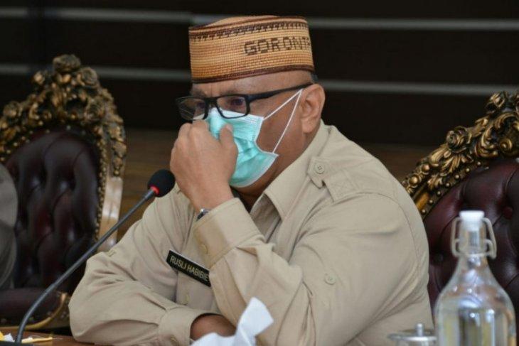 Gubernur Gorontalo sumbangkan gaji dua tahun untuk penanganan  COVID-19