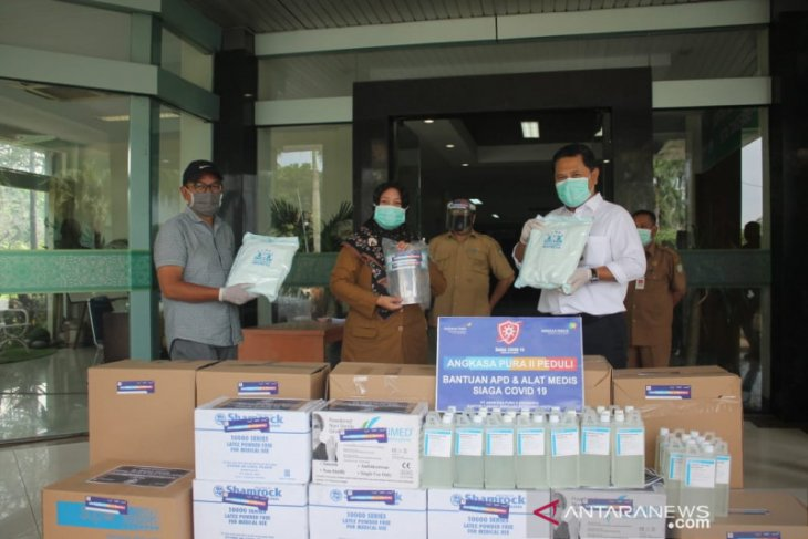 TJSL Kota Tangerang terima bantuan alat medis terkait COVID-19