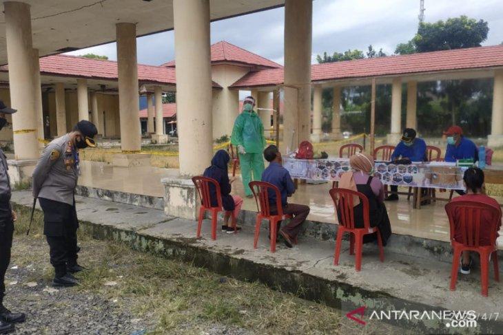 Puluhan personel Polres Rejang Lebong amankan posko COVID-19