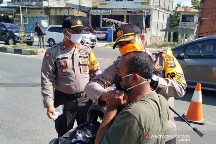 Polres Aceh Timur bagikan 1.000 masker gratis