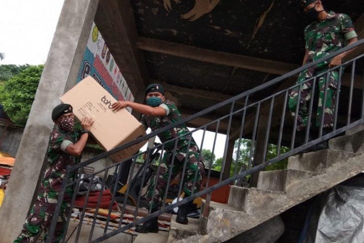 Prajurit Yonif 142/KJ dikerahkan jemput bantuan APD untuk Jambi