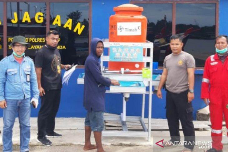 PT Timah bantu instalasi cuci tangan ke Pelabuhan Pangkalam