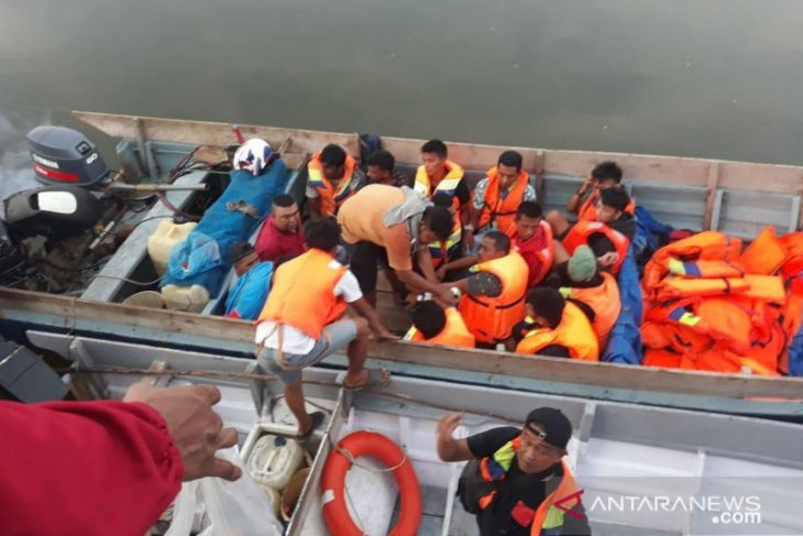 Indonesian police foil attempt to smuggle 17 people to Malaysia