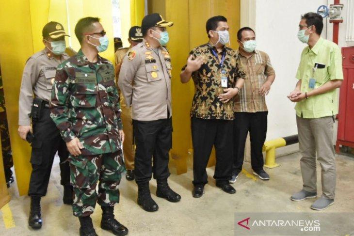 Petugas gabungan TNI-Polri patroli