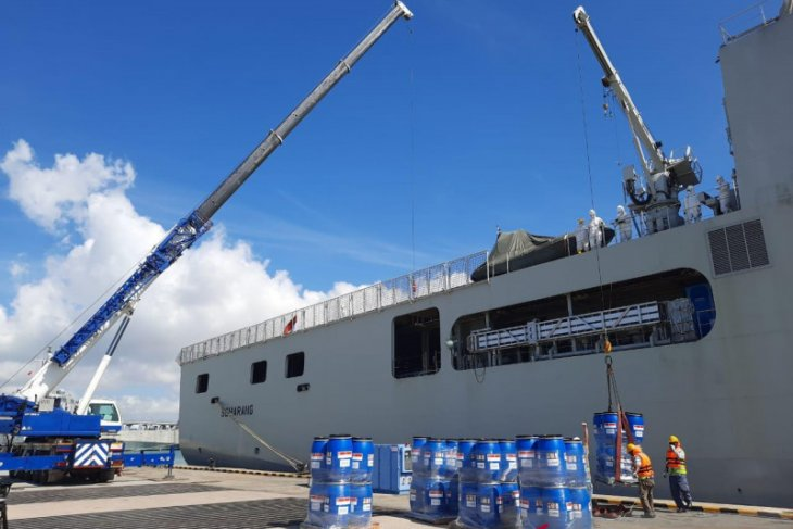 KRI Semarang to transport Singapore's aid for Batam residents