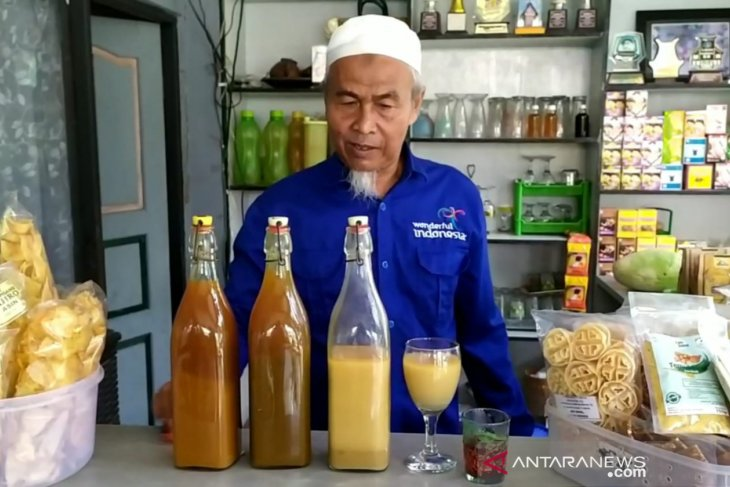 Jamu orders overflow Kampung Pejabat Banjarbaru
