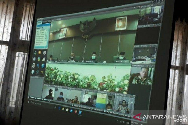 Pertama kalinya DPRD Pamekasan gelar rapat paripurna secara daring