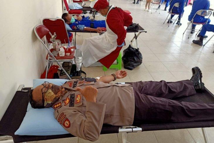 Polda Kalbar-PMI gelar donor darah dampak COVID-19
