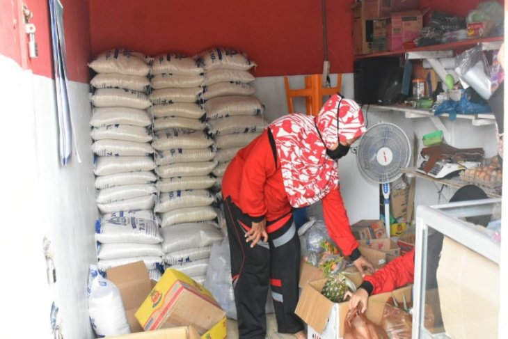 Tebing Tinggi salurkan bantuan PKH dan KKS