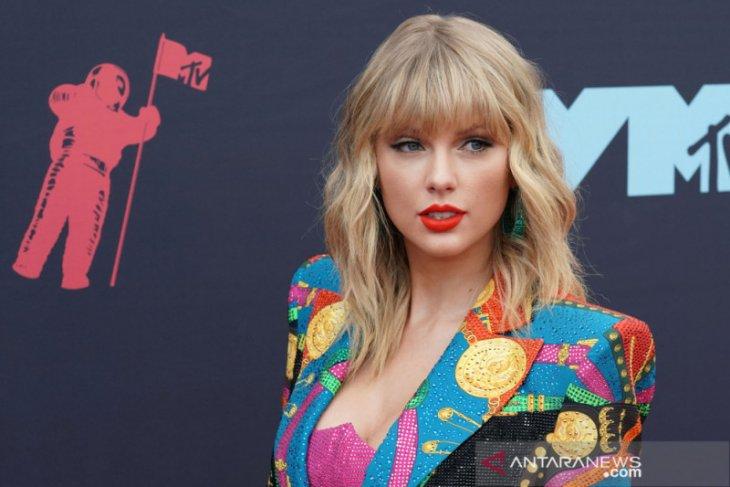 Kicauan Taylor Swift soal Donald Trump raih likes terbanyak