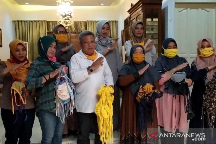 Bupati Muda apresiasi konveksi perempuan terus produksi masker kain