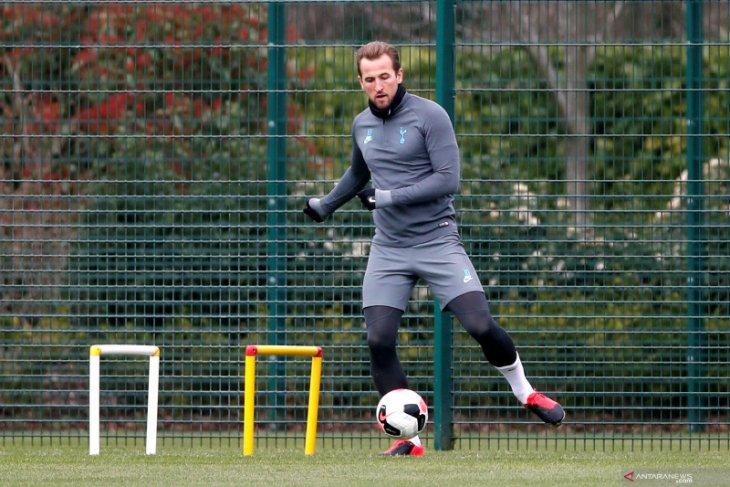 Takut kehilangan Harry Kane, Tottenham pasang harga tinggi