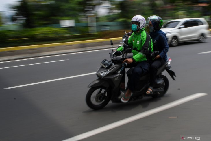 Pemprov DKI sanksi ojek online yang masih bawa penumpang