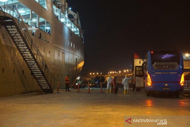 Negatif COVID-19, 83 ABK KM Kelud dikarantina di atas kapal di Pelabuhan Belawan