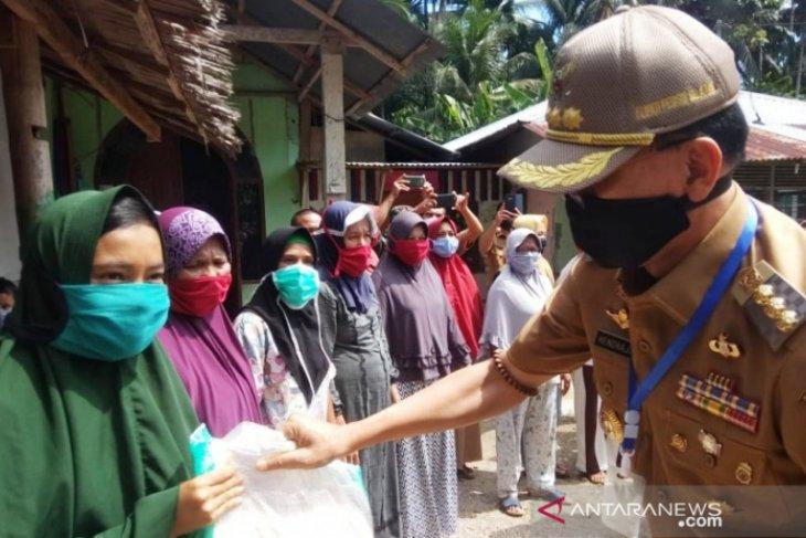 Beredar informasi kualitas beras bantuan di Pesisir Selatan tidak layak