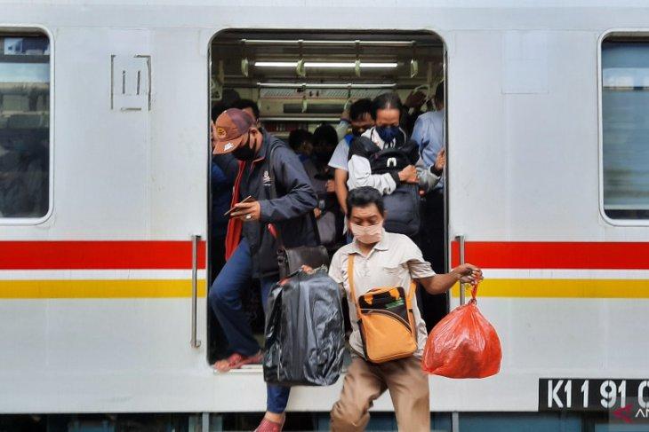 COVID-19: Jakarta Governor seeks suspension of commuter lines