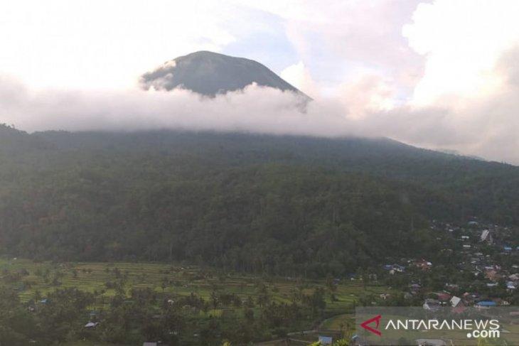PVMBG: Waspadai radius 1,5 kilometer kawah Gunung Lokon