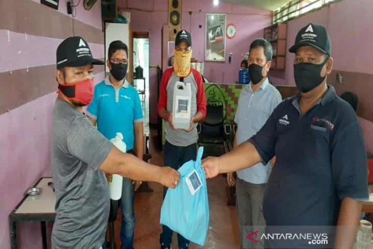 PWI salurkan bantuan alat kesehatan dari Tambang Emas Martabe kepada wartawan