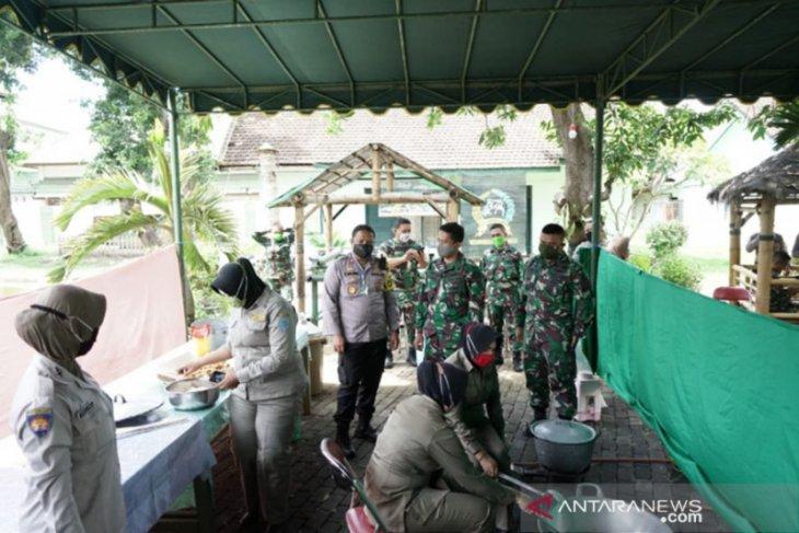 TNI-Polri Kota Probolinggo dirikan dapur umum untuk warga terdampak COVID-19