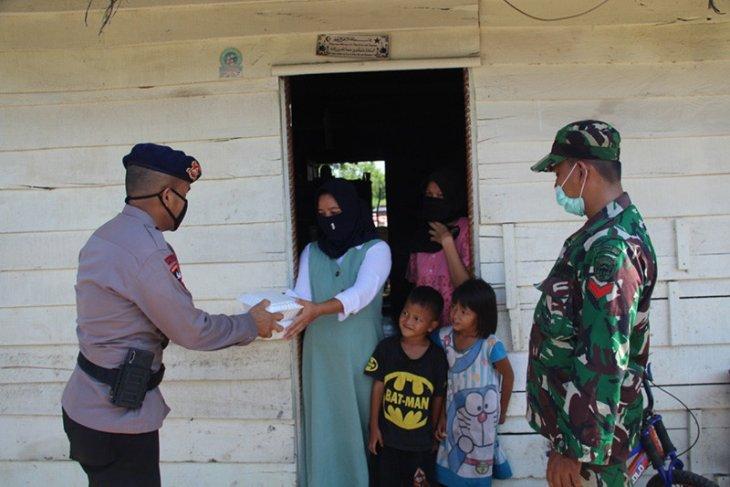 Polda Aceh dirikan dapur lapangan bantu masyarakat terdampak COVID-19
