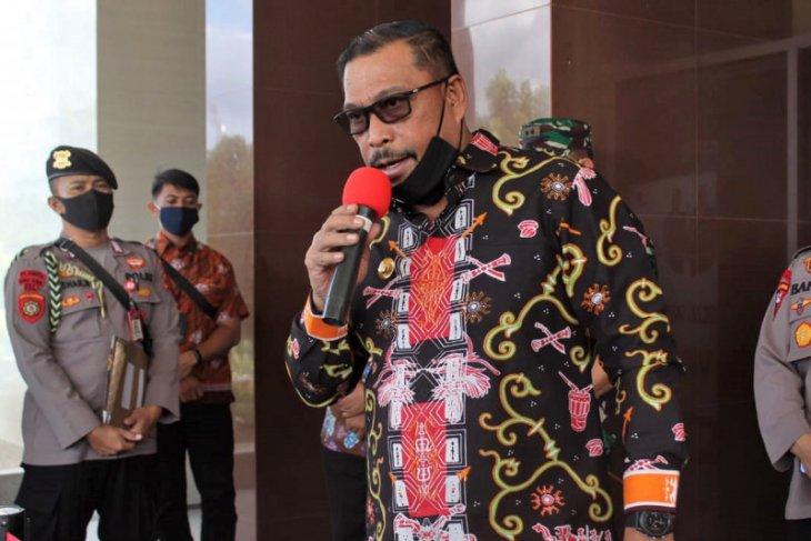 Gubernur Maluku berlakukan pembatasan sosial skala regional atasi COVID-19