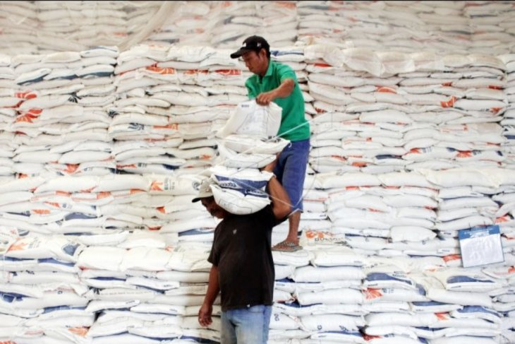 Makassar city government ensures sufficient rice stocks until Oct 2020