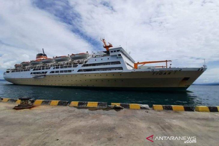 Pelni Km Dobonsolo Patuhi Prosedur Pencegahan Penyebaran Covid 19 Di Ambon Antara News Ambon Maluku