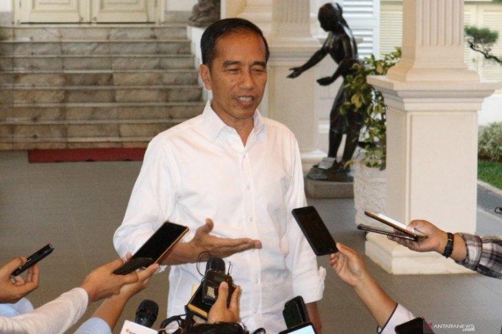 Jokowi orders streamlining hospital reference system to fight corona