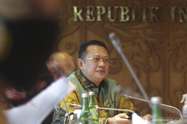 Ketua MPR: terapkan prinsip transparansi kelola dana COVID-19