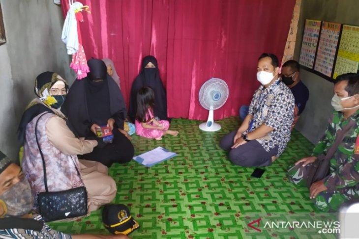 Legislator Banjarmasin datangi rumah keluarga PDP Corona hingga bantu sembako