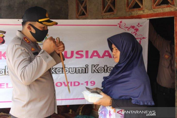 Polres Sukabumi Kota dirikan dapur umum ringankan warga terdampak COVID-19