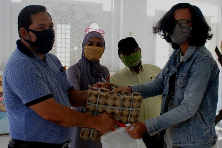 Penggiat seni di Aceh terima sembako, mereka terpaksa berhenti aktivitas