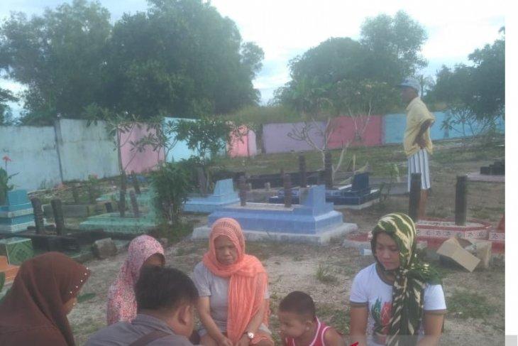 Masyarakat Belitung lestarikan tradisi ziarah kubur jelang Ramadhan
