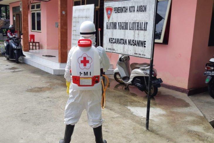 PMI Maluku semprot disinfektan ke pemukiman warga di Pulau Ambon