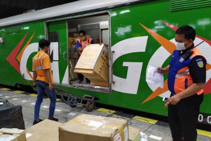 KAI cancels to-and-fro Jakarta, Bandung train trips over mudik ban