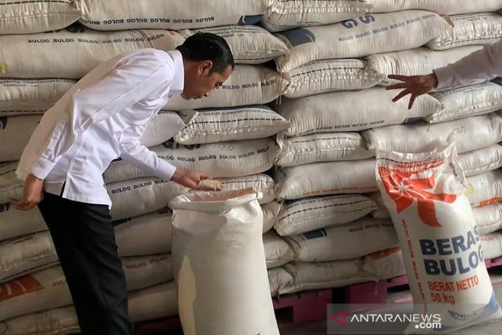 Deficit in stocks of essential goods in some provinces: Jokowi