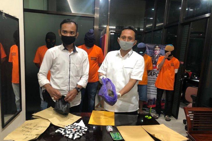 Dit Resnarkoba Polda Malut ringkus lima pelaku pengedar narkoba