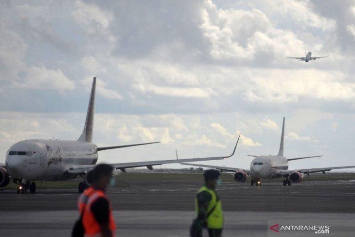 24 April-1 Juni,  AP I hentikan penerbangan komersial penumpang