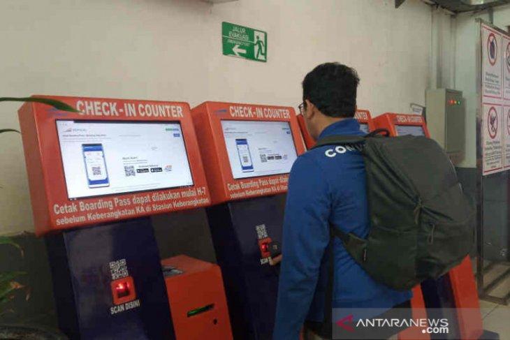 Sebanyak 17.128 penumpang KAI Cirebon batalkan tiket perjalanan