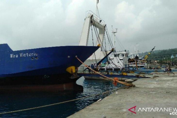 Kapal masuk dan keluar Pelabuhan Gunungsitoli dilarang bawa penumpang