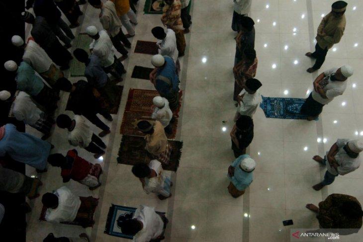 Sekda Situbondo: Shalat tarawih berjamaah di masjid boleh, tapi tetap terapkan prokes