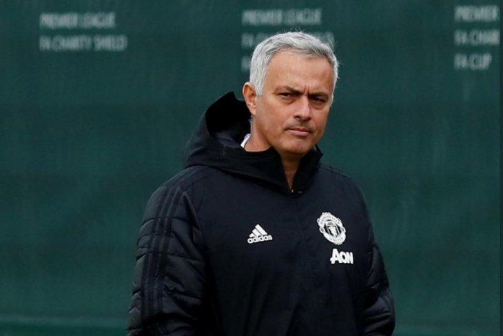 Jose Mourinho berharap bursa transfer tidak menggila saat pandemi berakhir