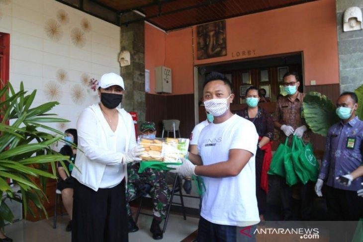 Bupati Tabanan bantu paket stamina untuk 10 puskesmas