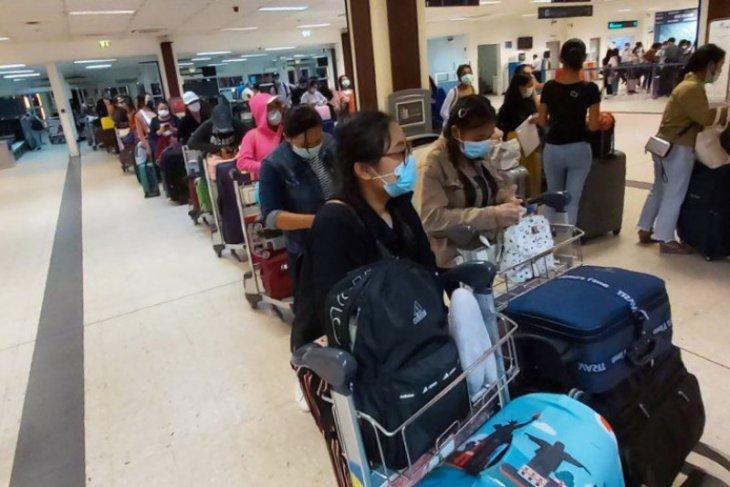 335 Indonesian migrant workers repatriated from Sri Lanka, Maldives
